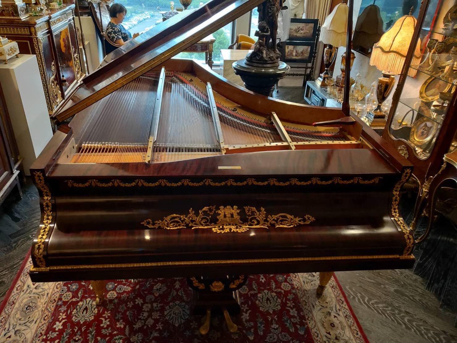 專搬鋼琴【榮福搬家公司】搬鋼琴、搬三角琴、平台鋼琴值得您的信賴與選擇:手工平台式演奏三角琴