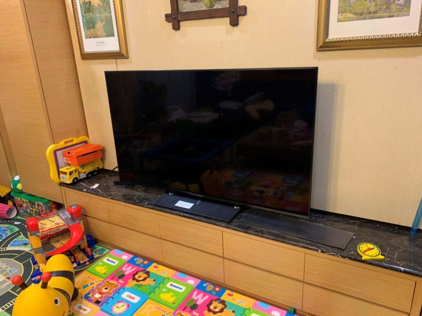 搬家公司推薦【榮福搬家】搬遷好品質值得您的信賴與選擇:65吋液晶電視從基隆搬遷至台北,榮福搬家跨縣市的家庭搬家服務值得您信賴。