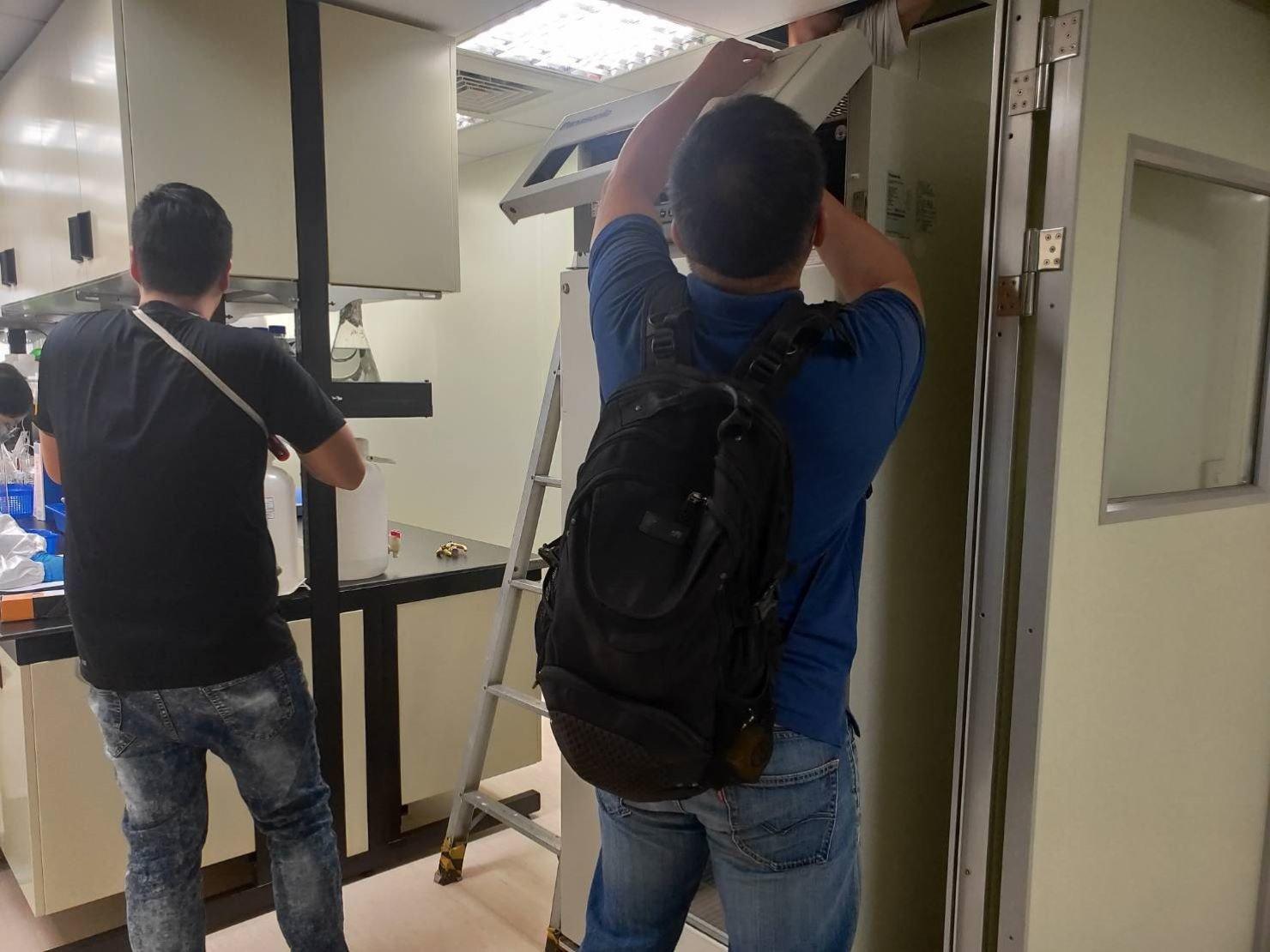 搬家公司【榮福搬家公司】搬冰箱、搬重物值得您的信賴與選擇:包裝搬運前確認冰箱裏頭是否清空、電源關閉、插頭移除。
