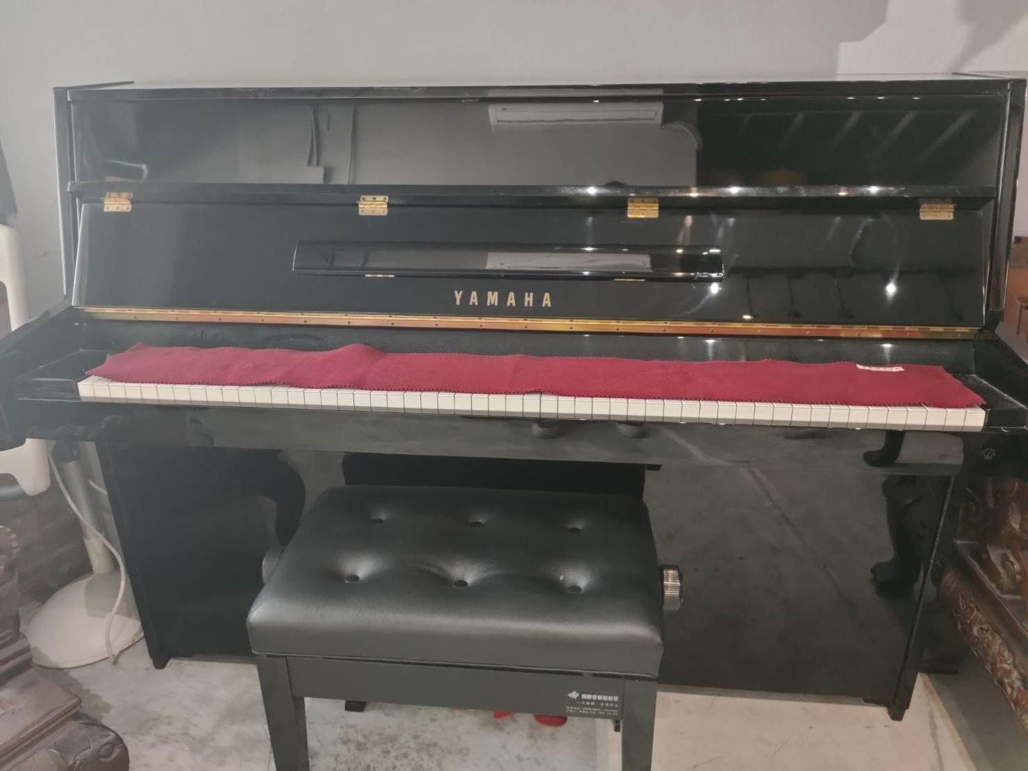 YAMAHA山葉鋼琴搬運【榮福搬家】精搬鋼琴、最專業、最細心的搬運服務,搬鋼琴口碑第一