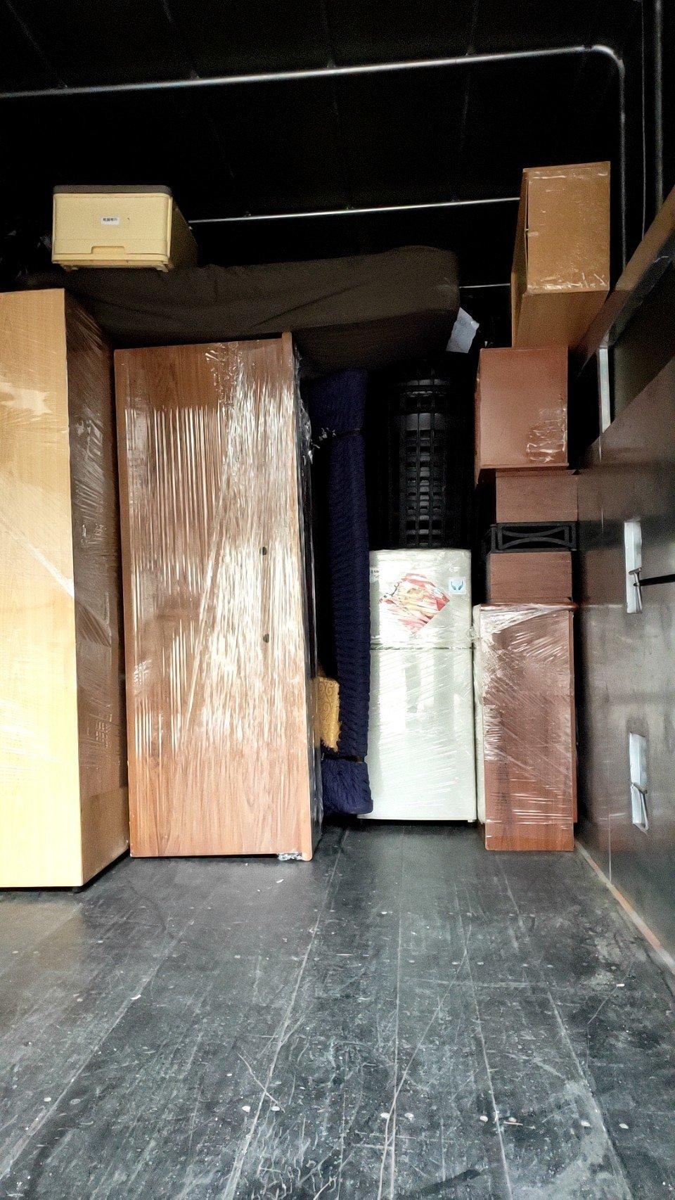 搬家公司推薦【榮福搬家公司】精搬魚缸、跨縣搬家、搬冰箱、搬家具、搬家首選、吊掛搬運、吊家具搬運、台北搬家公司推薦:大台北搬家,精緻包裝搬運「細膩包裝、專業搬運、用心服務、以客為尊」是榮福搬家公司的宗旨與精神。歡迎立即來電02-2651-2727專人服務。
