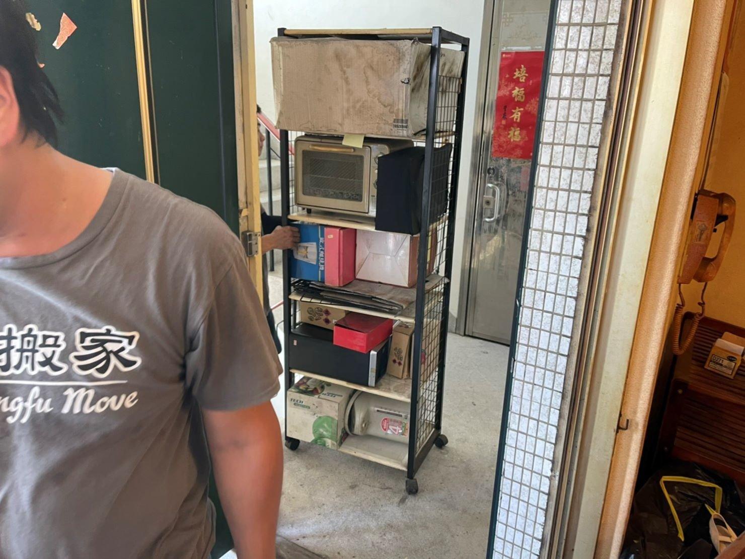 搬家推薦【榮福搬家】搬家口碑第一、台北搬家、新北搬家:【廢棄物處理清運、家庭家具垃圾處理】老舊家具、物件搬運丟棄,找專業且正規合法的榮福搬家公司替您清運服務。