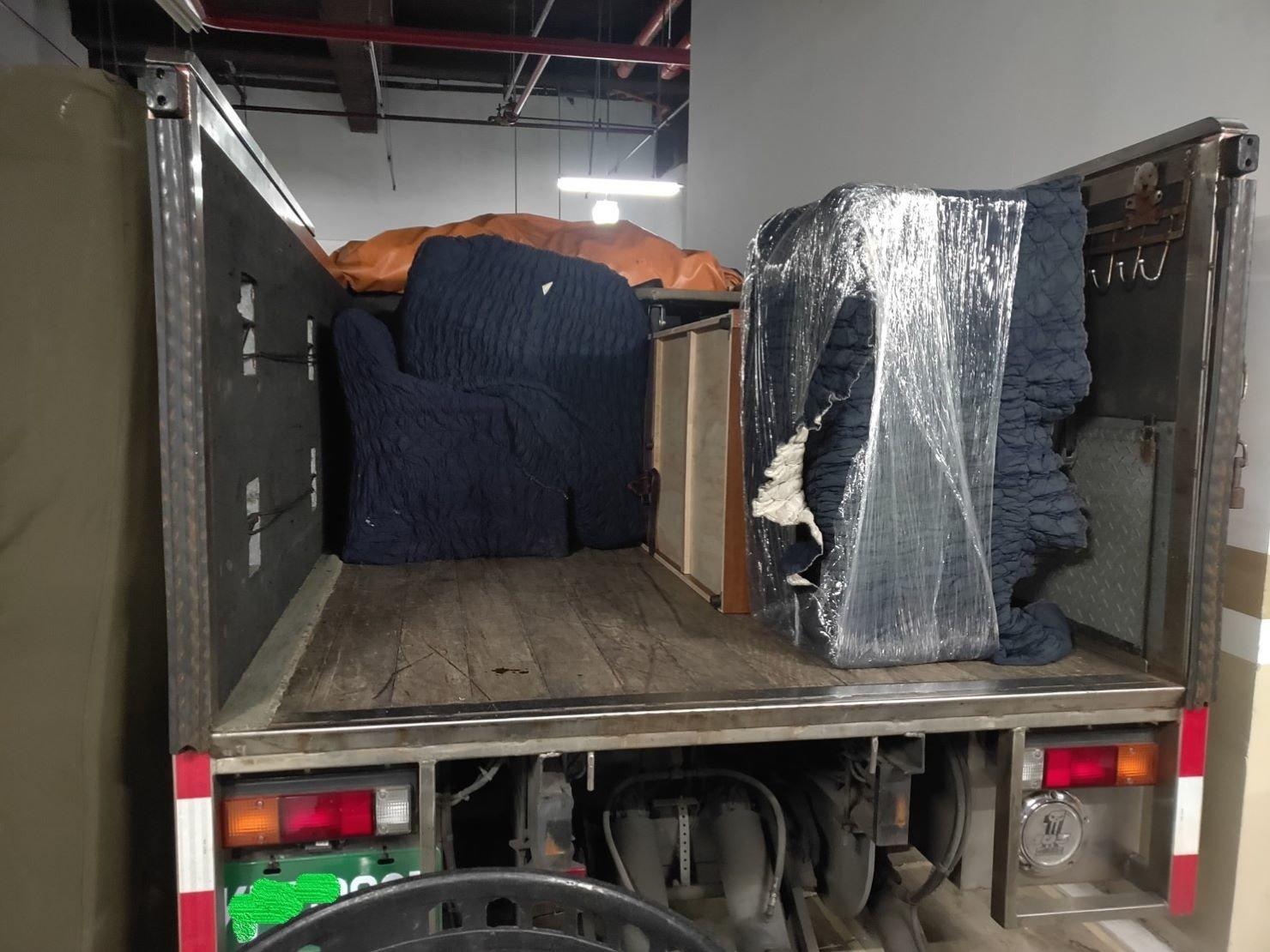 搬家公司推薦、新北搬家推薦【榮福搬家公司】南港搬家、桃園搬家公司推薦、台北搬家公司推薦、搬家具、冰箱搬運、基隆搬家、搬家電、床墊搬運、大型家具搬運、單件家具運送、跨縣市搬家、搬家首選、搬公司行號、家庭搬家、搬鋼琴、搬工、搬運、搬家紙箱、吊家具搬運、沙發搬運、衣櫃搬運、拆裝家具,針對顧客都秉持以用心實在專業搬家技巧,搬家實在用心值得您的信賴與選擇。優質搬家,包裝搬運「細膩包裝、專業搬運、用心服務、以客為尊」是榮福搬家公司的宗旨與精神。歡迎立即來電02-2651-2727專人服務。系統式家具拆裝找專業的榮福搬家就對了。
