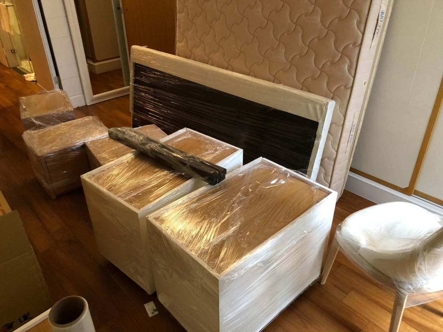 搬家公司推薦【榮福搬家】搬家具、大台北搬家公司推薦,搬遷好品質值得您的信賴與選擇:在搬運前都會先將顧客的家具物件做包裝防護處理,,給予顧客的家具物件最大的保護。