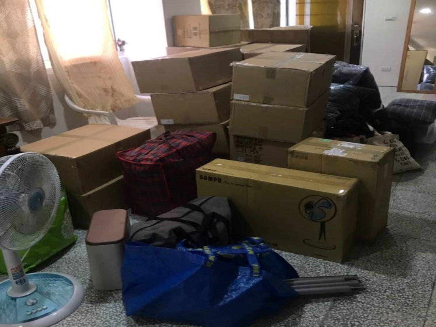 搬家【榮福搬家】台北搬家、南港搬家、口碑第一、台北搬家推薦:分區打包-客廳區的打包