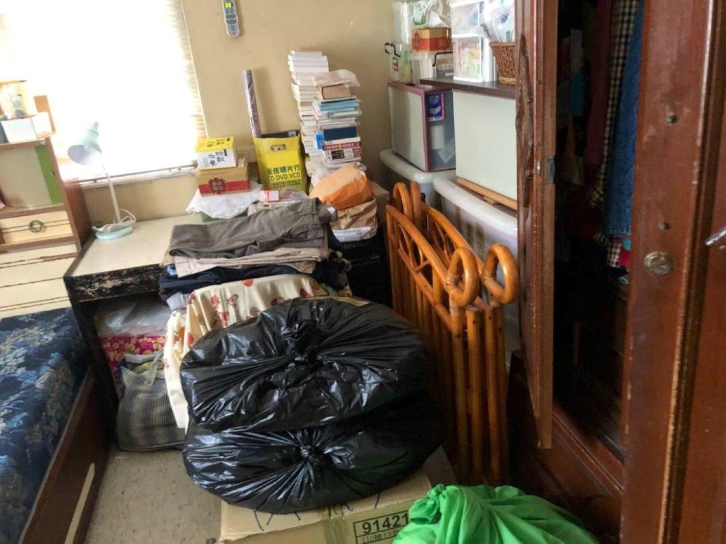 搬家公司【榮福搬家】優質搬家服務,值得您的信賴與選擇:棉被衣物打包-以裝衣箱或大袋子打包處理,榮福也有專業用打包厚紙箱,讓您不用煩惱如何將衣物棉被帶至新居。