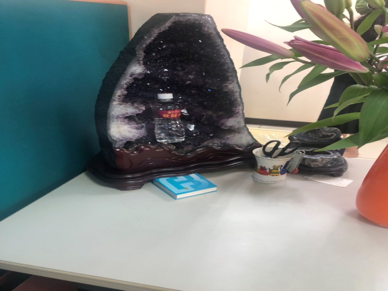 台北搬家推薦【榮福搬家】給您財庫滿滿法寶-紫水晶洞